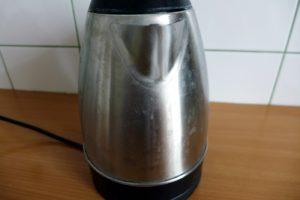ślady wody czajnik philips hd930521
