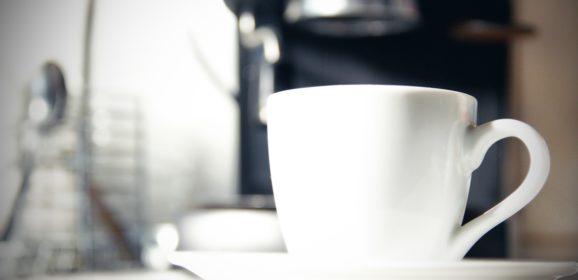 Jaki automatyczny ekspres do kawy wybrać? Poradnik