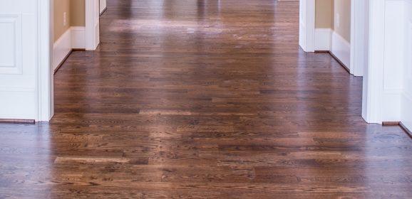 Mycie podłogi na 7 sposobów – przegląd urządzeń