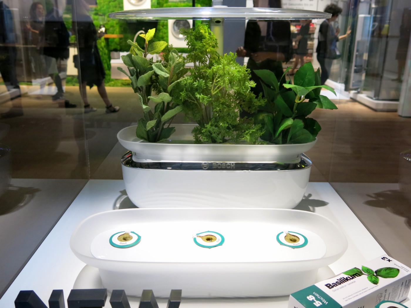 Urządzenie do hodowania ziół Bosch